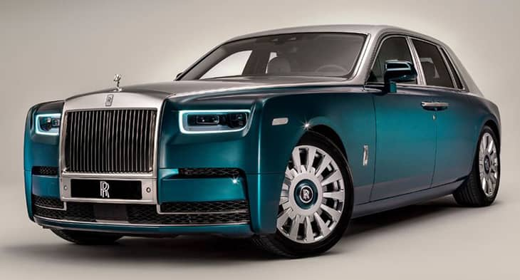 Rolls-Royce-with-3000-shimmering-feathers-730-393